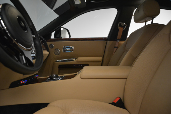 Used 2018 Rolls-Royce Ghost for sale Sold at Pagani of Greenwich in Greenwich CT 06830 15