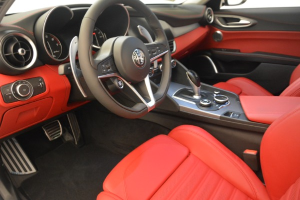New 2019 Alfa Romeo Giulia Ti Sport Q4 for sale Sold at Pagani of Greenwich in Greenwich CT 06830 13
