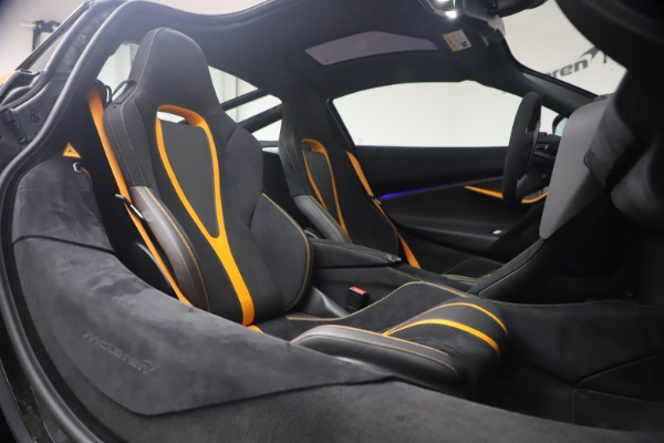 Used 2019 McLaren 720S Performance for sale $245,900 at Pagani of Greenwich in Greenwich CT 06830 19