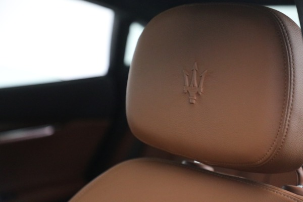 Used 2015 Maserati Quattroporte S Q4 for sale Call for price at Pagani of Greenwich in Greenwich CT 06830 25