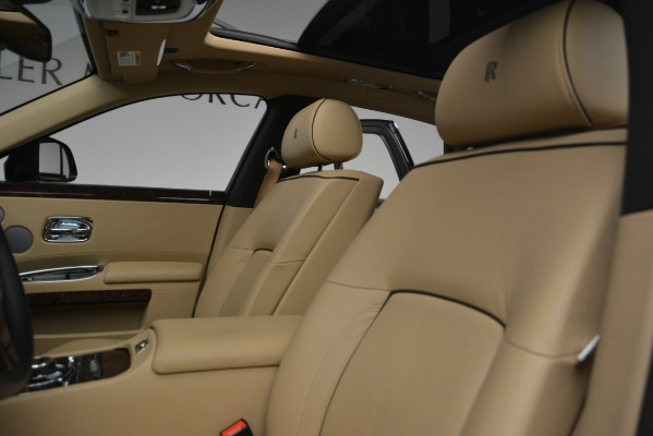 Used 2014 Rolls-Royce Ghost for sale Sold at Pagani of Greenwich in Greenwich CT 06830 16