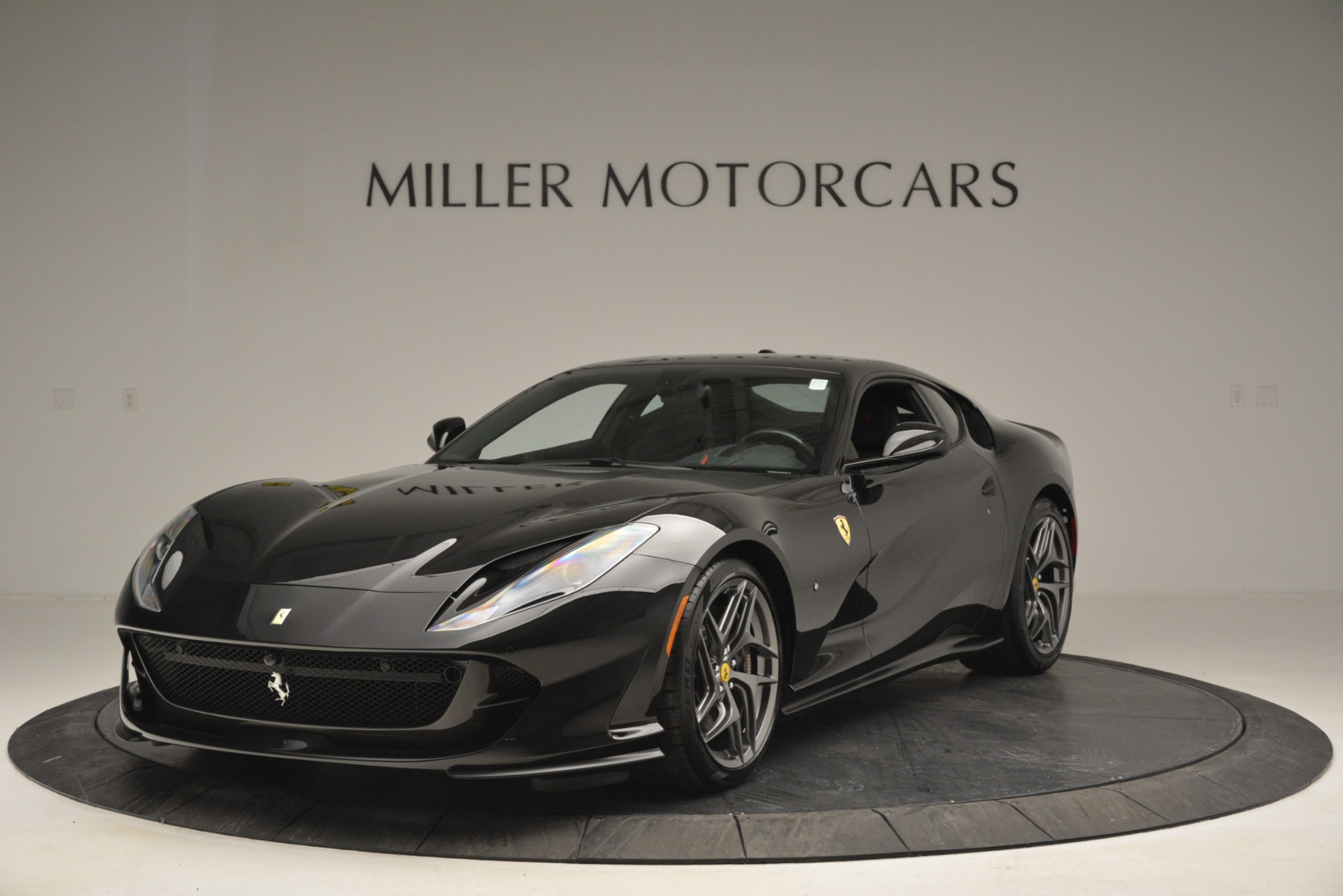 Used 2018 Ferrari 812 Superfast for sale $335,900 at Pagani of Greenwich in Greenwich CT 06830 1