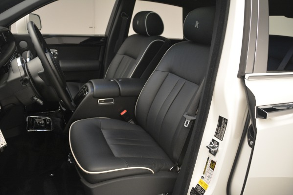 Used 2014 Rolls-Royce Phantom for sale Sold at Pagani of Greenwich in Greenwich CT 06830 17
