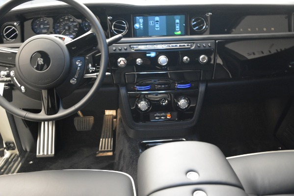 Used 2014 Rolls-Royce Phantom for sale Sold at Pagani of Greenwich in Greenwich CT 06830 22