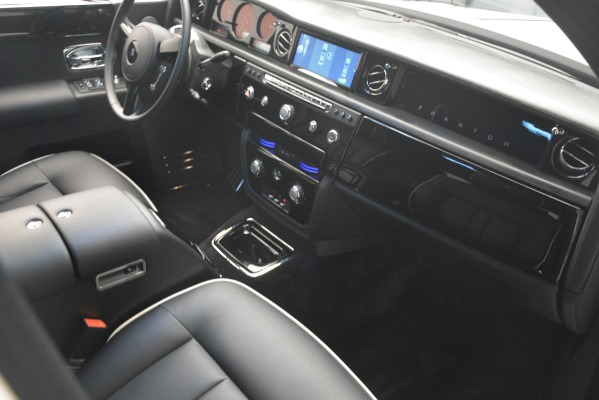 Used 2014 Rolls-Royce Phantom for sale Sold at Pagani of Greenwich in Greenwich CT 06830 26