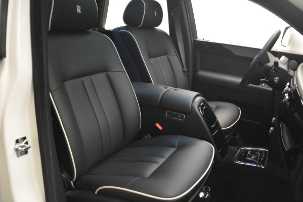 Used 2014 Rolls-Royce Phantom for sale Sold at Pagani of Greenwich in Greenwich CT 06830 28