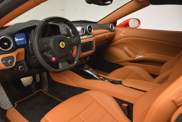 Used 2017 Ferrari California T Handling Speciale for sale $174,900 at Pagani of Greenwich in Greenwich CT 06830 19