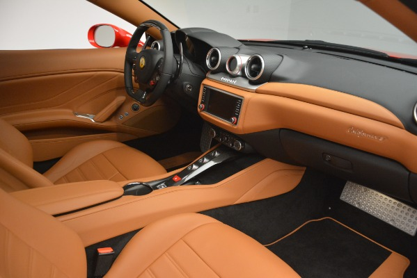 Used 2017 Ferrari California T Handling Speciale for sale $174,900 at Pagani of Greenwich in Greenwich CT 06830 23