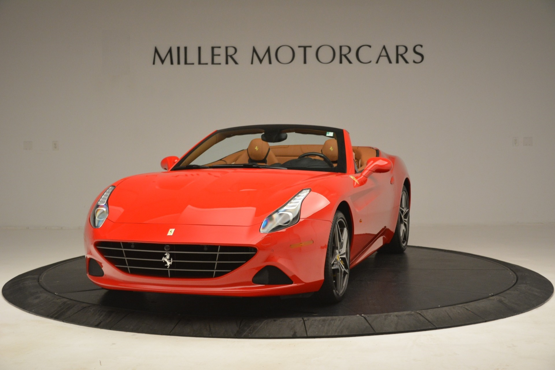 Used 2017 Ferrari California T Handling Speciale for sale $174,900 at Pagani of Greenwich in Greenwich CT 06830 1