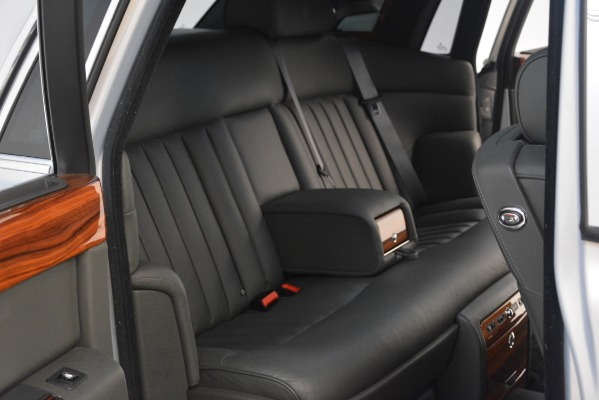 Used 2007 Rolls-Royce Phantom for sale Sold at Pagani of Greenwich in Greenwich CT 06830 25