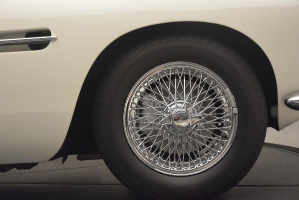 Used 1961 Aston Martin DB4 Series IV Coupe for sale $625,900 at Pagani of Greenwich in Greenwich CT 06830 16