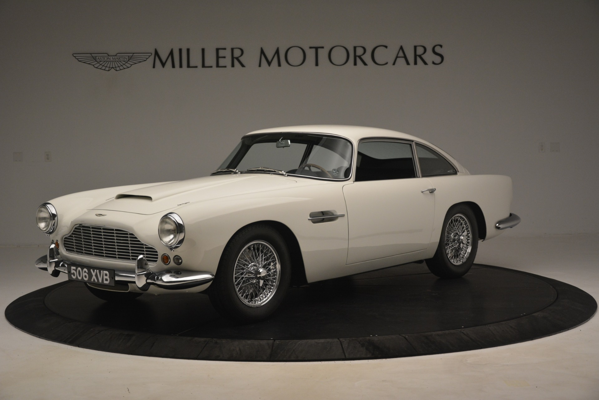 Used 1961 Aston Martin DB4 Series IV Coupe for sale $625,900 at Pagani of Greenwich in Greenwich CT 06830 1
