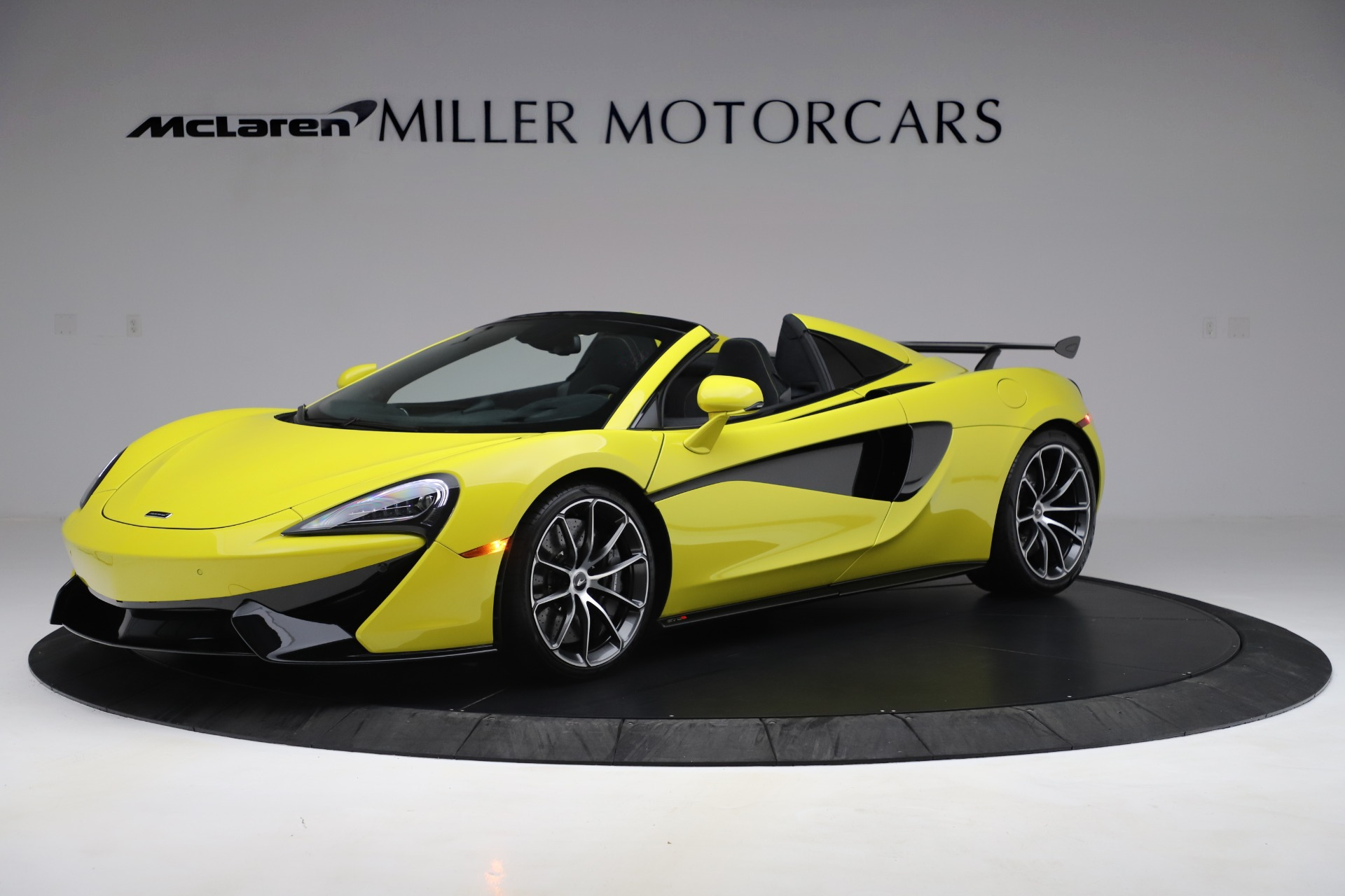 New 2019 McLaren 570S SPIDER Convertible for sale $227,660 at Pagani of Greenwich in Greenwich CT 06830 1