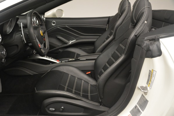 Used 2016 Ferrari California T for sale $145,900 at Pagani of Greenwich in Greenwich CT 06830 20