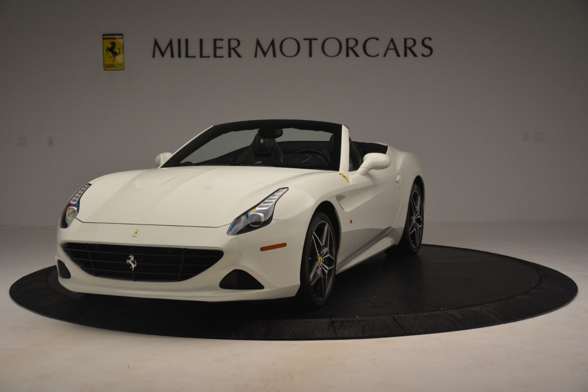 Used 2016 Ferrari California T for sale $145,900 at Pagani of Greenwich in Greenwich CT 06830 1