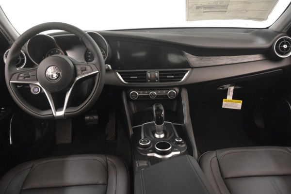 New 2019 Alfa Romeo Giulia Q4 for sale Sold at Pagani of Greenwich in Greenwich CT 06830 16