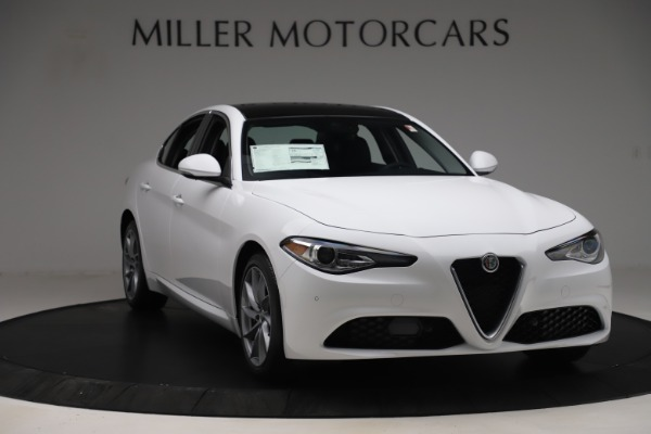New 2019 Alfa Romeo Giulia Q4 for sale Sold at Pagani of Greenwich in Greenwich CT 06830 11