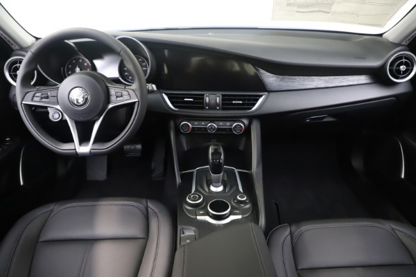 New 2019 Alfa Romeo Giulia Q4 for sale Sold at Pagani of Greenwich in Greenwich CT 06830 16