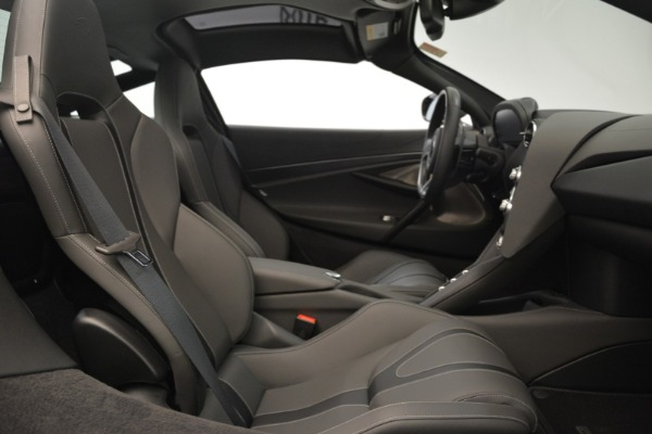 Used 2018 McLaren 720S for sale $269,900 at Pagani of Greenwich in Greenwich CT 06830 18