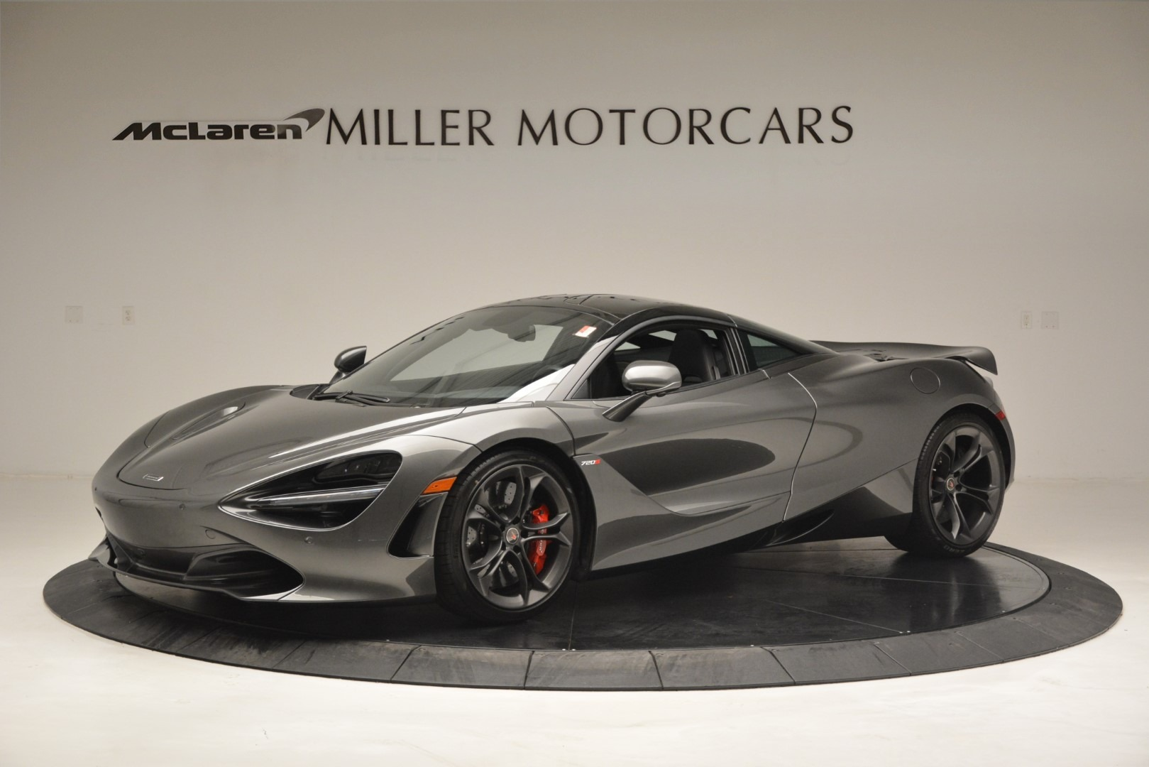 Used 2018 McLaren 720S for sale $269,900 at Pagani of Greenwich in Greenwich CT 06830 1