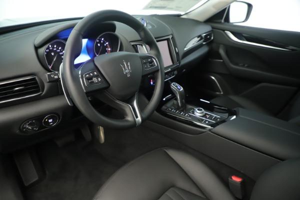 New 2019 Maserati Levante Q4 Nerissimo for sale $89,850 at Pagani of Greenwich in Greenwich CT 06830 13