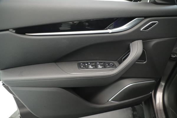 New 2019 Maserati Levante Q4 Nerissimo for sale $89,850 at Pagani of Greenwich in Greenwich CT 06830 17