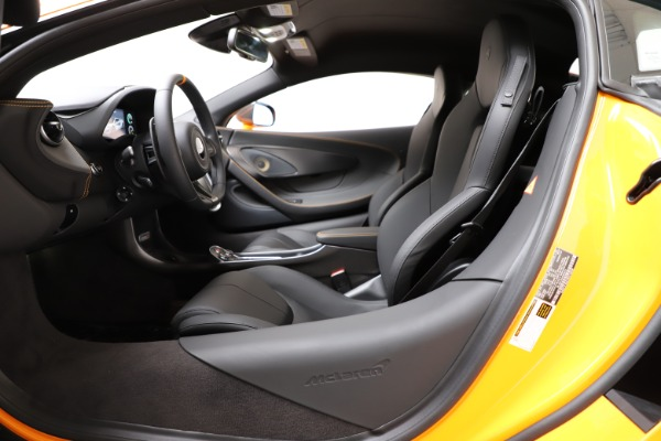 New 2019 McLaren 600LT Coupe for sale $279,310 at Pagani of Greenwich in Greenwich CT 06830 16