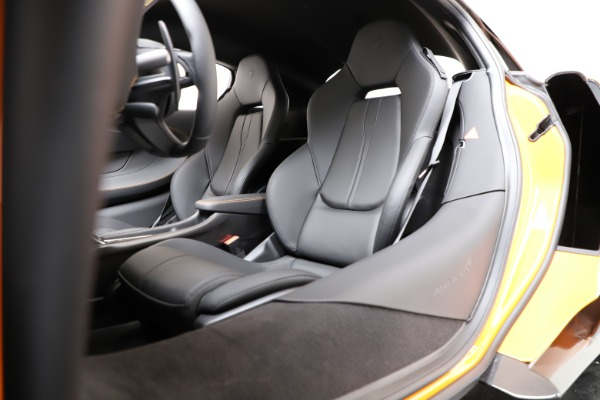 New 2019 McLaren 600LT Coupe for sale $279,310 at Pagani of Greenwich in Greenwich CT 06830 17