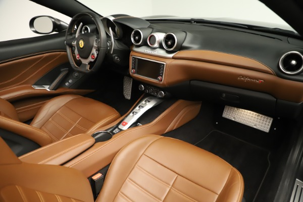Used 2015 Ferrari California T for sale $139,900 at Pagani of Greenwich in Greenwich CT 06830 25