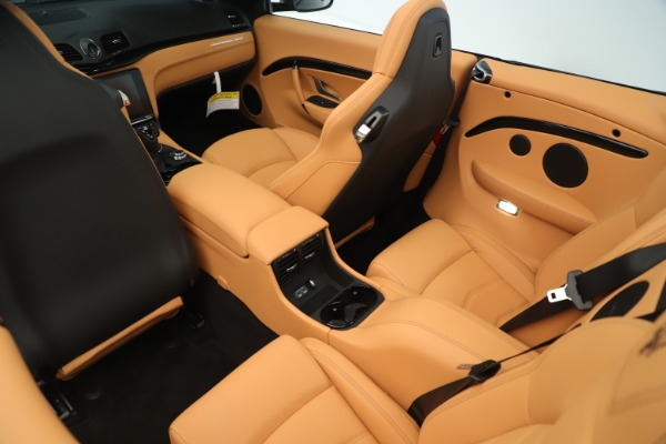 New 2019 Maserati GranTurismo Sport Convertible for sale $161,695 at Pagani of Greenwich in Greenwich CT 06830 24