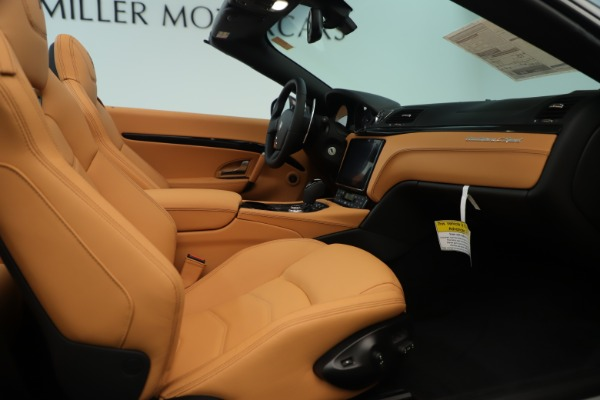 New 2019 Maserati GranTurismo Sport Convertible for sale $161,695 at Pagani of Greenwich in Greenwich CT 06830 27