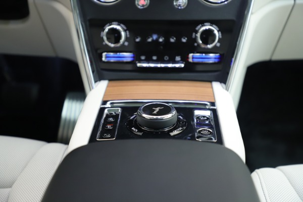New 2019 Rolls-Royce Cullinan for sale Sold at Pagani of Greenwich in Greenwich CT 06830 25