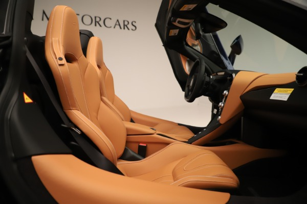 New 2020 McLaren 720S Spider for sale $372,250 at Pagani of Greenwich in Greenwich CT 06830 14