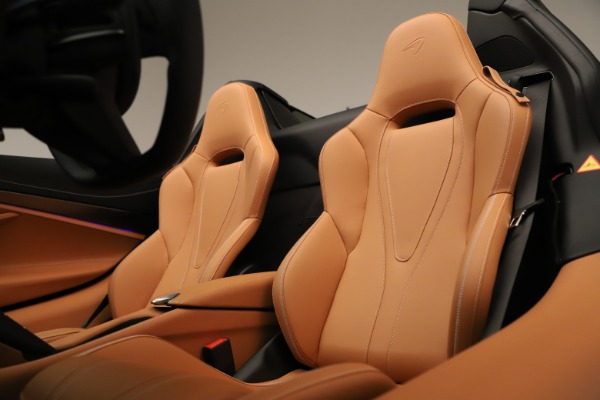 New 2020 McLaren 720S Spider for sale $372,250 at Pagani of Greenwich in Greenwich CT 06830 16