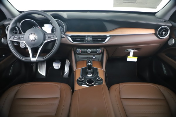 New 2019 Alfa Romeo Stelvio Ti Lusso Q4 for sale Sold at Pagani of Greenwich in Greenwich CT 06830 16