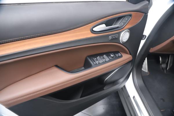New 2019 Alfa Romeo Stelvio Ti Lusso Q4 for sale Sold at Pagani of Greenwich in Greenwich CT 06830 17