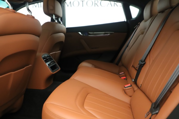 Used 2014 Maserati Quattroporte S Q4 for sale Sold at Pagani of Greenwich in Greenwich CT 06830 17