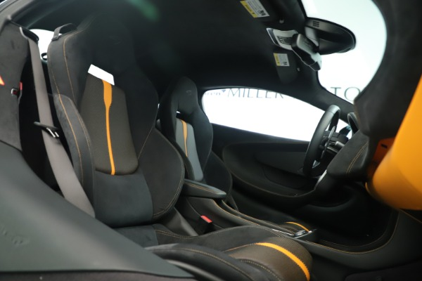 Used 2016 McLaren 570S Coupe for sale Sold at Pagani of Greenwich in Greenwich CT 06830 18