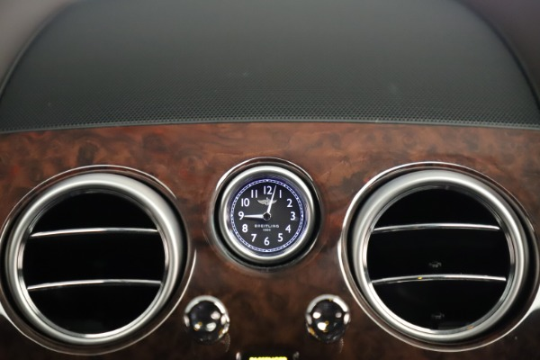 Used 2015 Bentley Flying Spur V8 for sale Sold at Pagani of Greenwich in Greenwich CT 06830 27