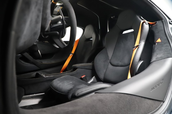 New 2019 McLaren 600LT for sale $311,619 at Pagani of Greenwich in Greenwich CT 06830 20