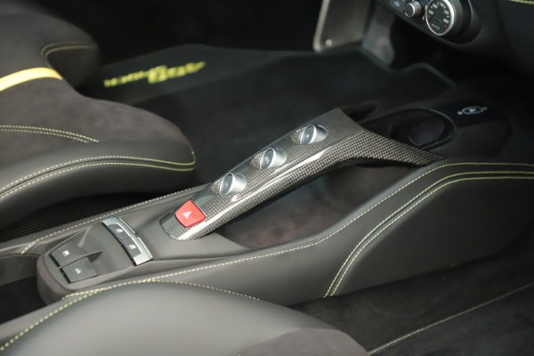 Used 2018 Ferrari 488 Spider for sale $289,900 at Pagani of Greenwich in Greenwich CT 06830 27