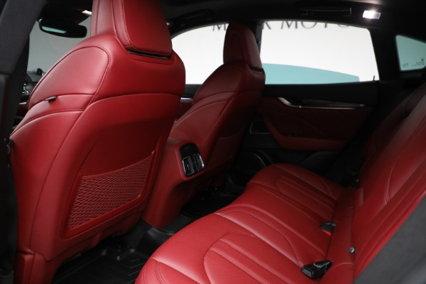 Used 2019 Maserati Levante Q4 GranSport for sale $69,900 at Pagani of Greenwich in Greenwich CT 06830 17
