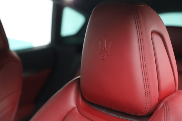 Used 2019 Maserati Levante Q4 GranSport for sale $69,900 at Pagani of Greenwich in Greenwich CT 06830 28