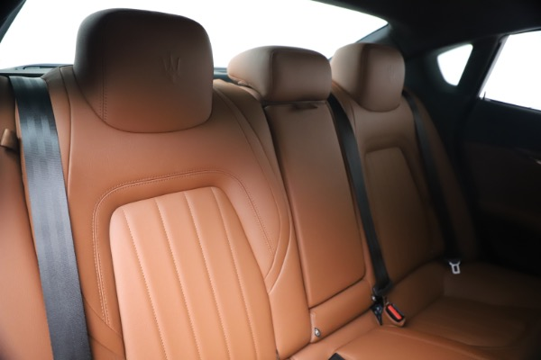 Used 2016 Maserati Quattroporte S Q4 for sale Sold at Pagani of Greenwich in Greenwich CT 06830 26