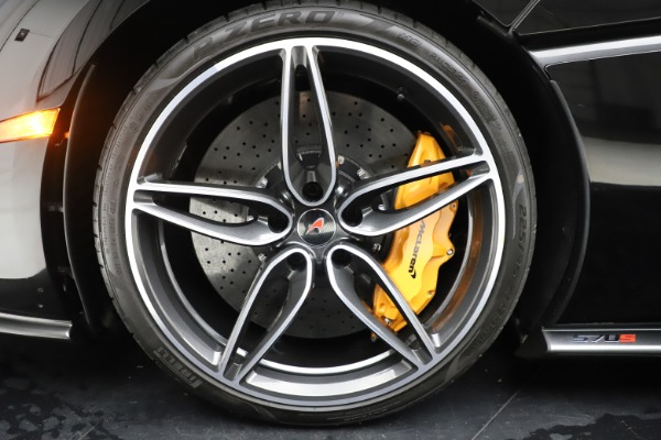 Used 2017 McLaren 570S Coupe for sale $161,900 at Pagani of Greenwich in Greenwich CT 06830 15