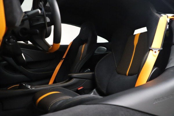 Used 2017 McLaren 570S Coupe for sale $161,900 at Pagani of Greenwich in Greenwich CT 06830 18