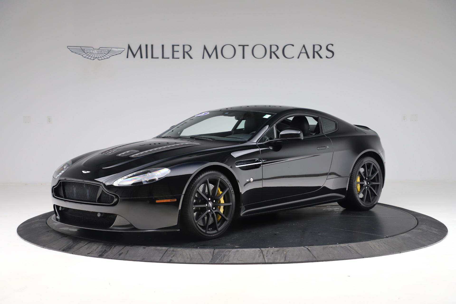 Used 2015 Aston Martin V12 Vantage S Coupe for sale $99,900 at Pagani of Greenwich in Greenwich CT 06830 1