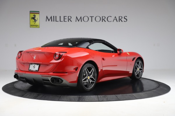 Used 2017 Ferrari California T for sale Sold at Pagani of Greenwich in Greenwich CT 06830 16