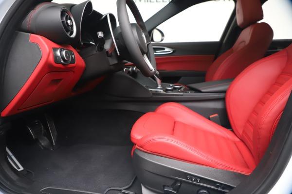 New 2019 Alfa Romeo Giulia Ti Sport Carbon Q4 for sale Sold at Pagani of Greenwich in Greenwich CT 06830 14