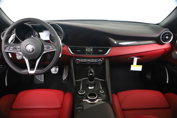 New 2019 Alfa Romeo Giulia Ti Sport Carbon Q4 for sale Sold at Pagani of Greenwich in Greenwich CT 06830 16